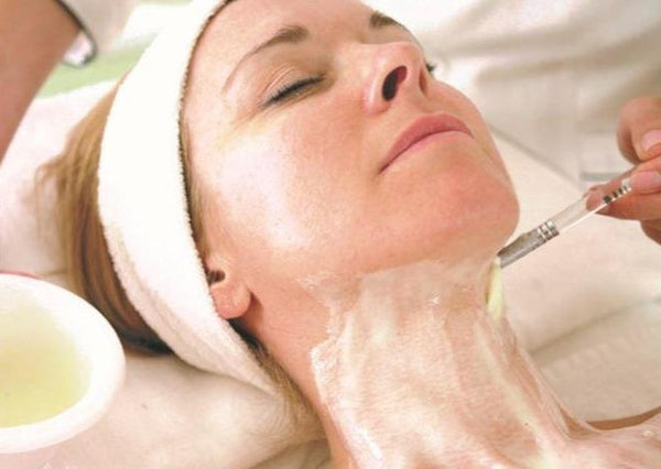 Skin Month Offer: DMK Enzyme Therapy Course of 4 +4 LED Light Therapy Sessions (save €301)