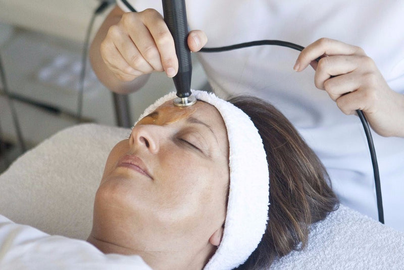 Collagen Power Facial & Frown Treatment Course of 6 (5+1 FREE)