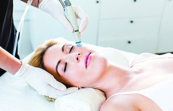 Luxury 6-Step HydraFacial Course of 3 (save €96)