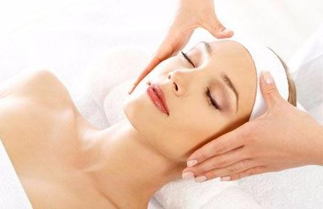 SkinCeuticals Brightening Facial 50-Mins (save €21)