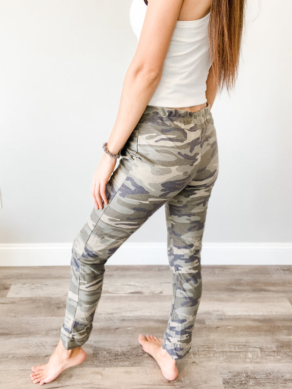 Top Ranked Camo Joggers, Small