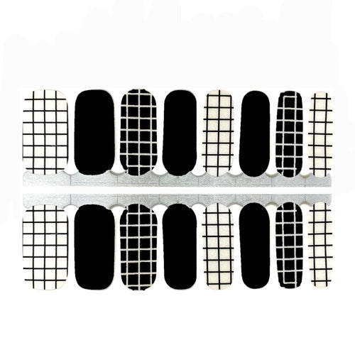 B&W Squares - NailsMailed