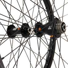 Load image into Gallery viewer, Box One Stealth Expert 451 28h Carbon Wheelset - boxcomponents