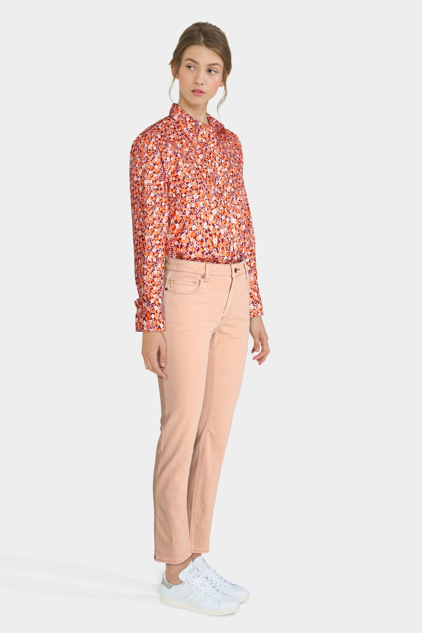 Floral Shirt With Apricot Jeans
