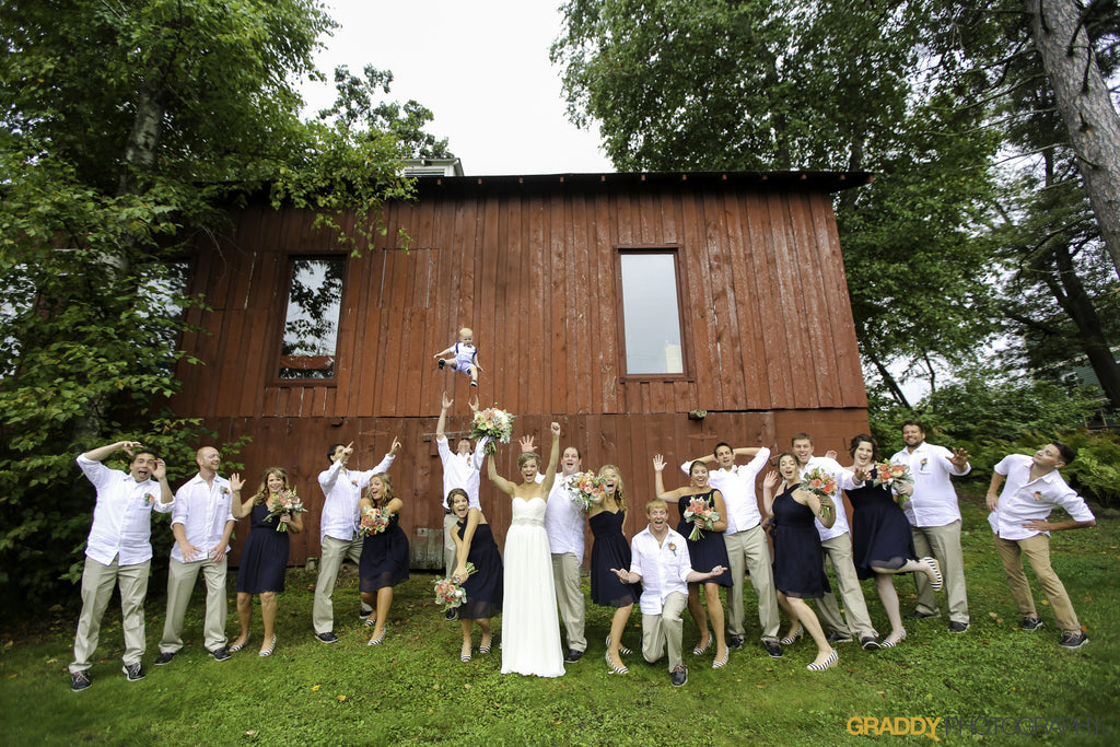 Such a fun photo of the whole bridal party! | 52 Best Wedding Photo Ideas | Kennedy Blue | Graddy Photography