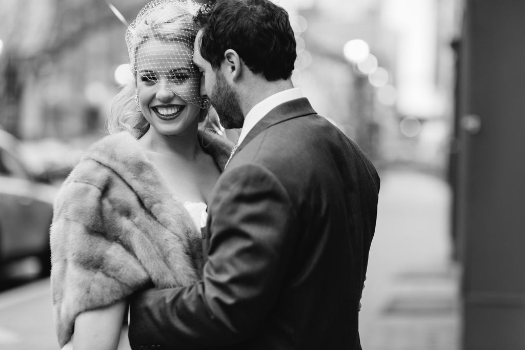A gorgeous black and white wedding picture of the bride and groom | Photo by Maria Linz Photography | Stunning Wedding Photos to Inspire Your Big Day! | Kennedy Blue