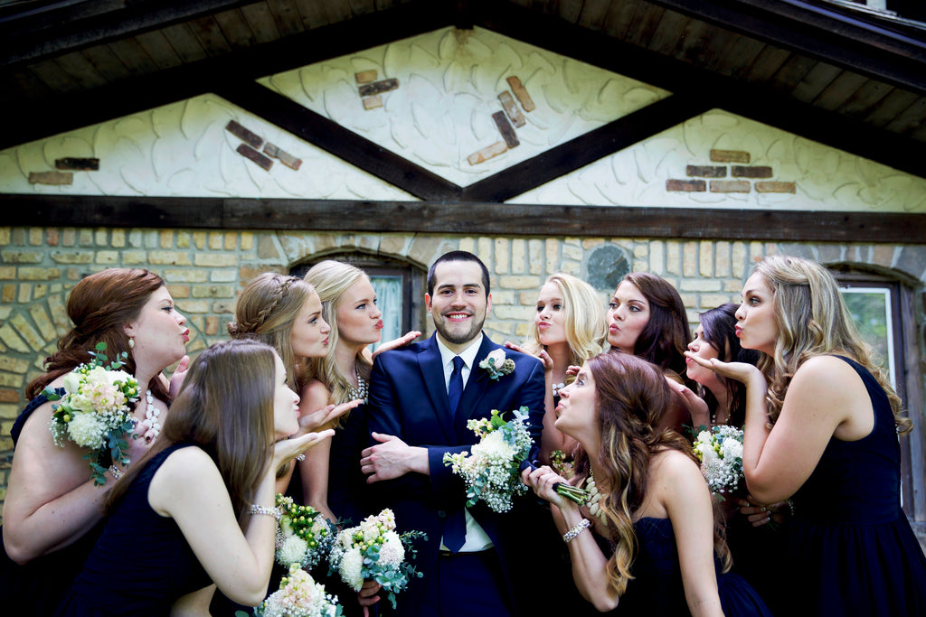 Must-Have Wedding Pictures of the Bridesmaids Blowing Kisses to the Groom