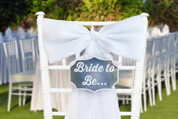 this bride to be bow is so cute for your bridal shower