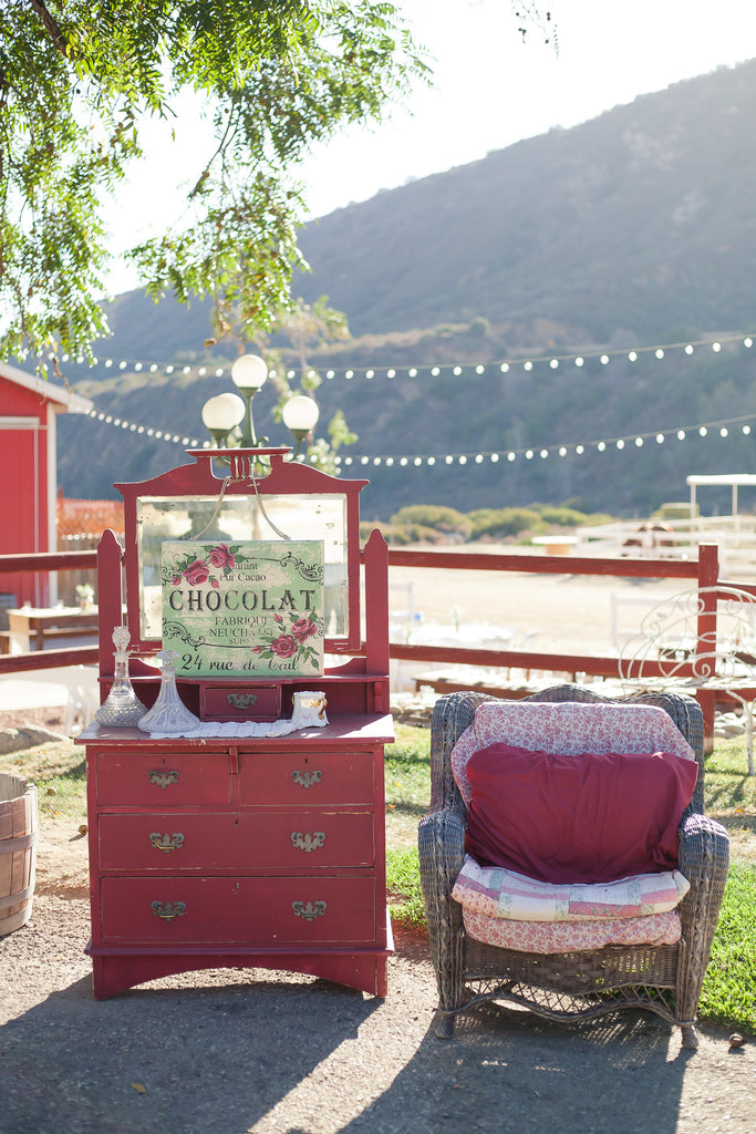 Such a cute idea at a wedding! | A Vintage Wedding At Sweet Pea Ranch | Kennedy Blue | Janelle Marina Photography