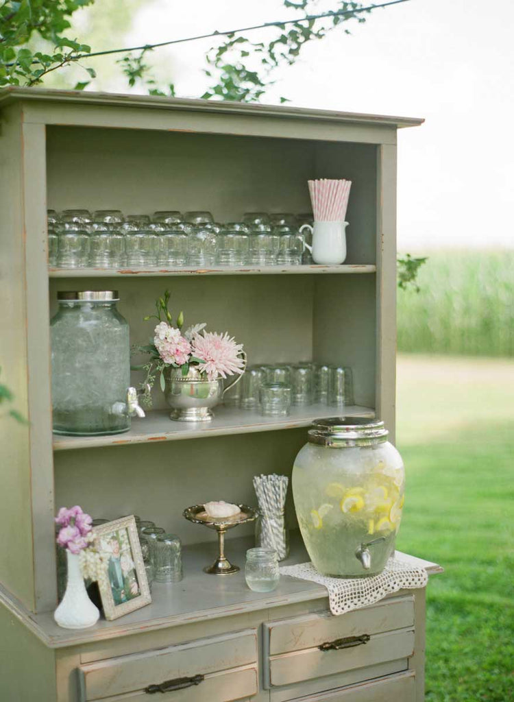 A chic lemonade stand | A Country Chic Wedding With Stunning Vintage Details