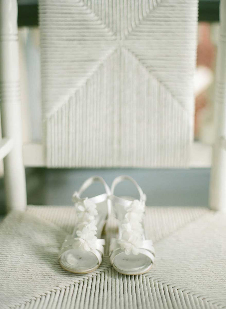Bridal shoes| A Country Chic Wedding With Stunning Vintage Details
