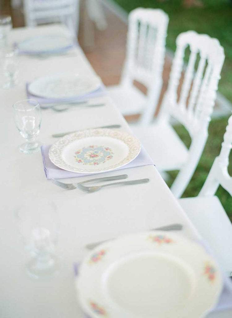 Vintage table settings | A Country Chic Wedding With Stunning Vintage Details