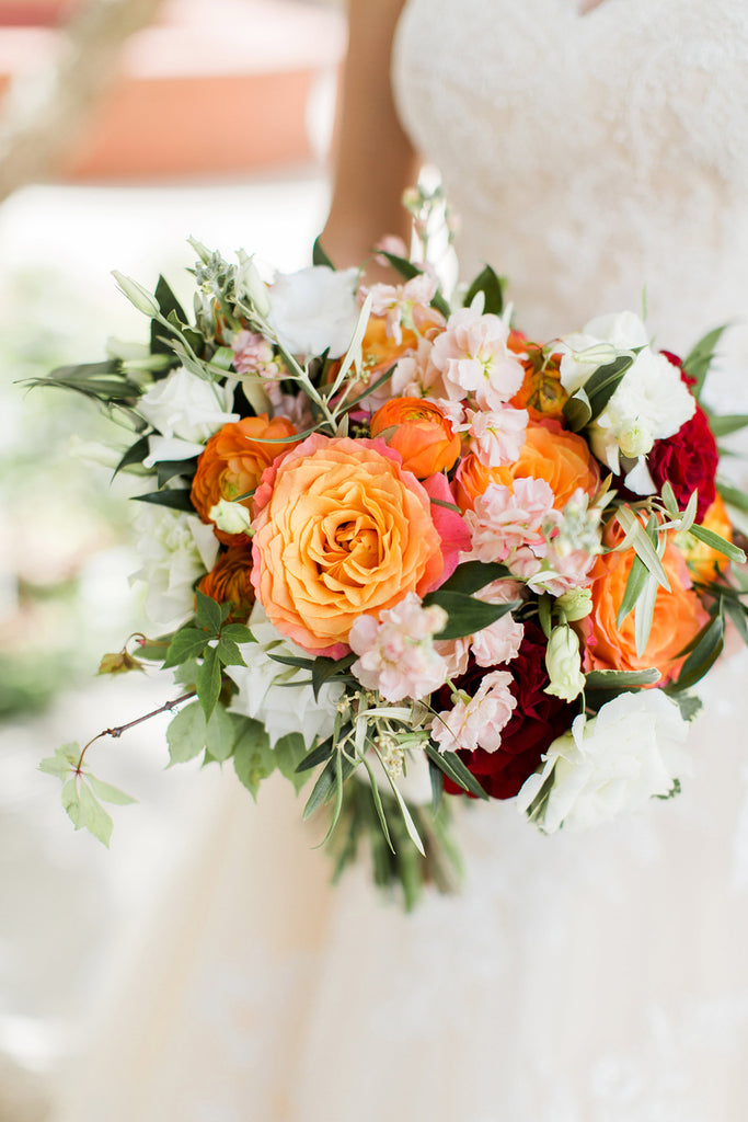 Brides Bouquet | Alexis and Michaels Wedding | Featured on Destination Wedding Details | Real Wedding blog