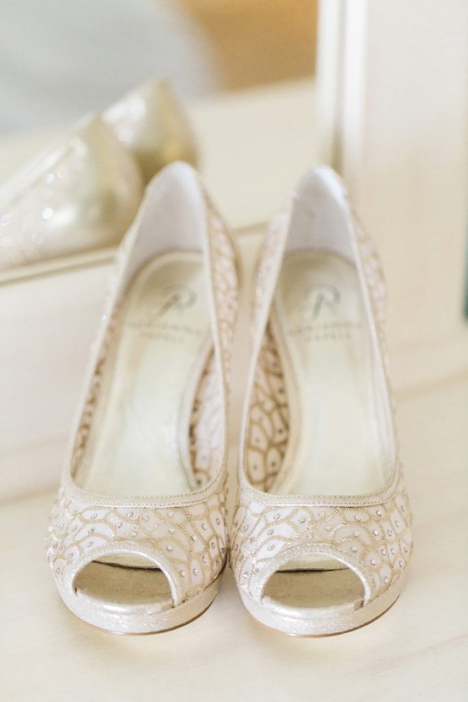 Brides high heels | Alexis and Michaels Wedding | Featured on Destination Wedding Details | Real Wedding blog