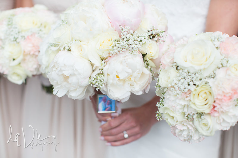 White and rose wedding bouquets. | A Simply Chic Wedding Day | Your Something Blue