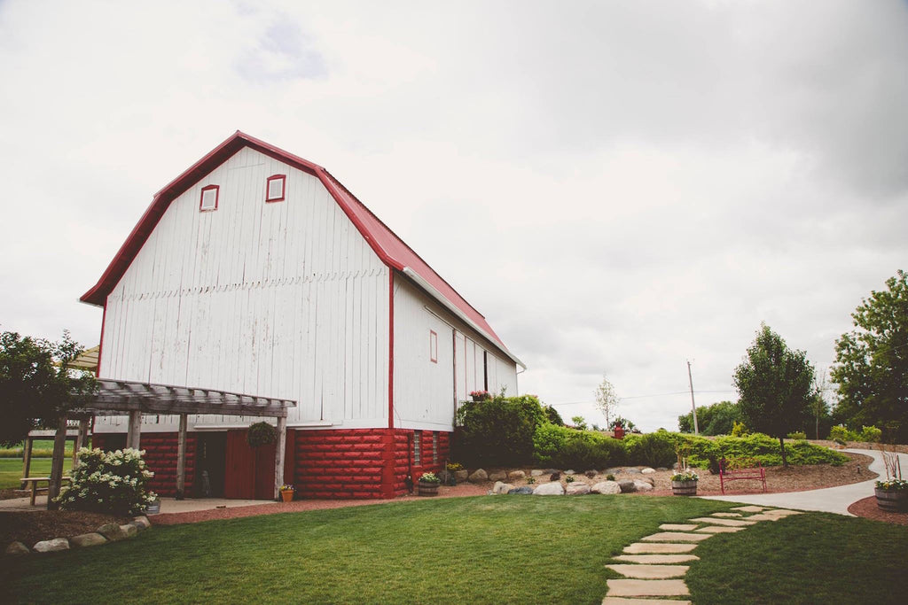 Barn Reception Venue  | Wisconsin Country Wedding | Kennedy Blue