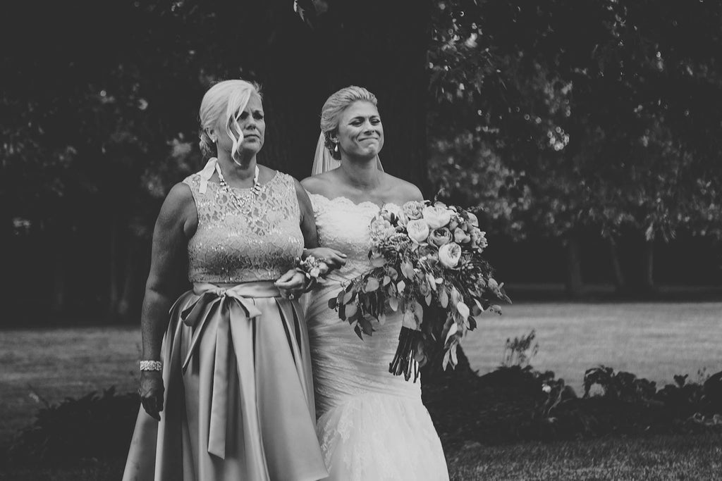 Mother and Daughter  | Wisconsin Country Wedding | Kennedy Blue