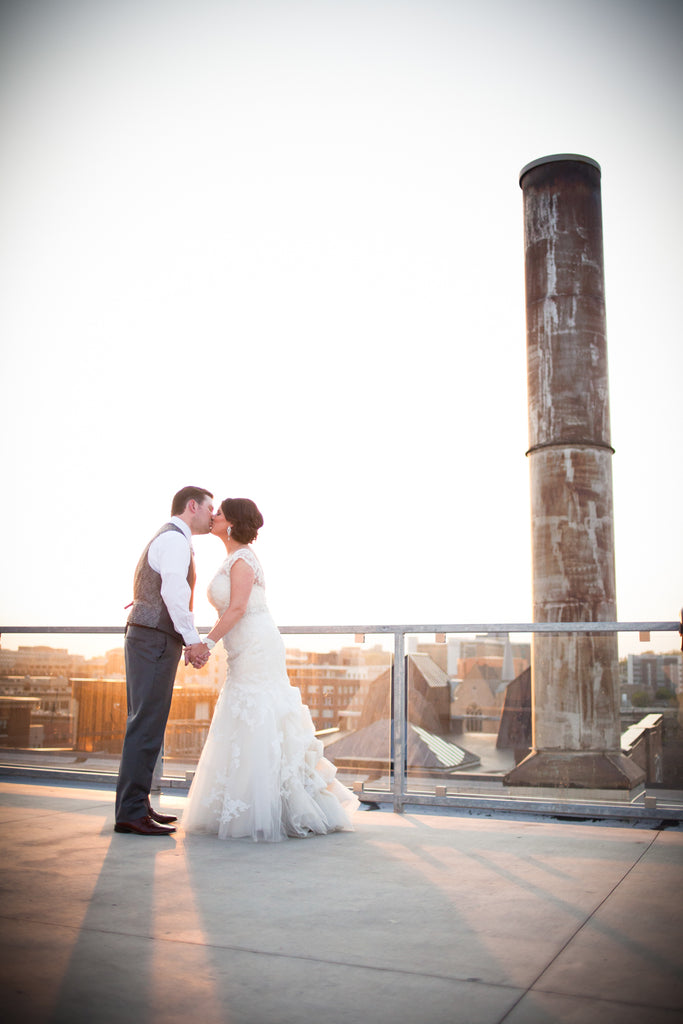 A gorgeous modern wedding in Downtown St. Paul
