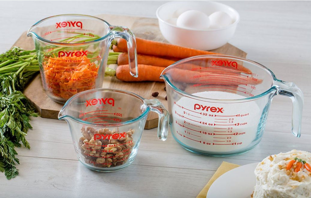 Add this useful and affordable Pyrex measuring cup set to your wedding registry | The Bride's Ultimate Guide to Creating the Perfect Wedding Registry | Kennedy Blue