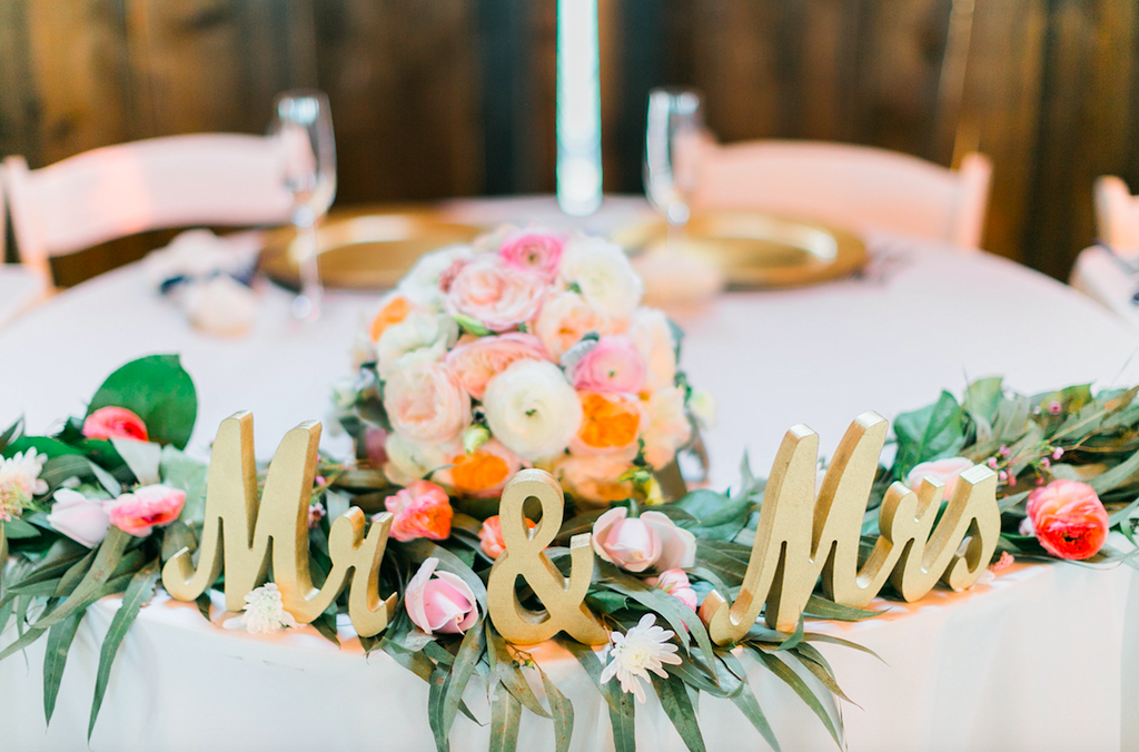 "Adorable ""Mr. & Mrs."" table signs for your wedding! 