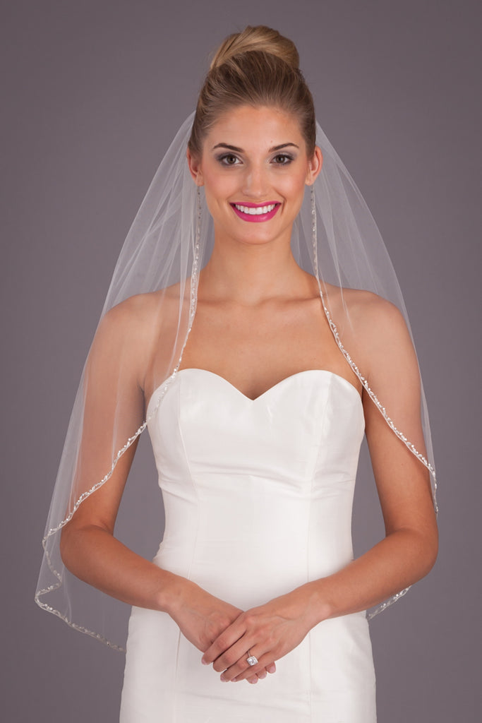 A Beaded Veil for a Simple Elegant Wedding Dress | Kennedy Blue