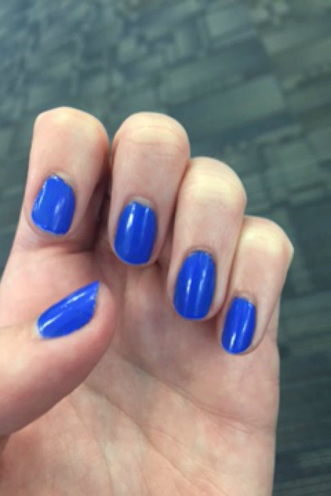 Classy manicure for your wedding 'Something Blue'