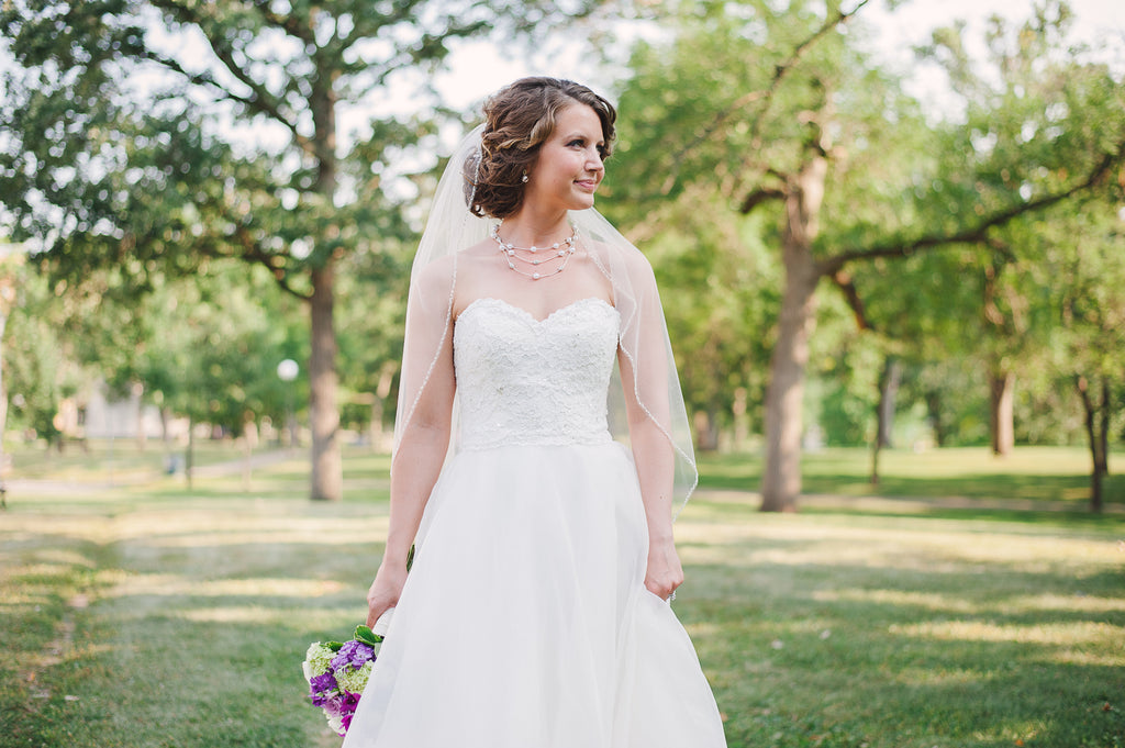 This bride looked gorgeous in her organza and lace wedding dress. See Jaimie's full wedding gallery here! | Kennedy Blue
