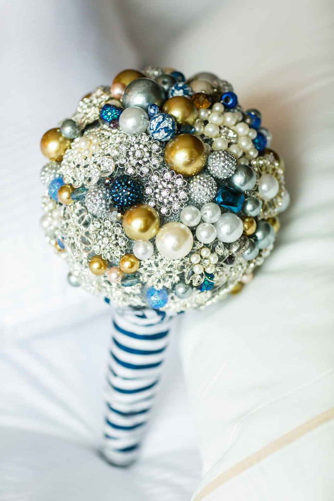 A bridal brooch bouquet | A Blue and Pink Rock 'n Roll Wedding
