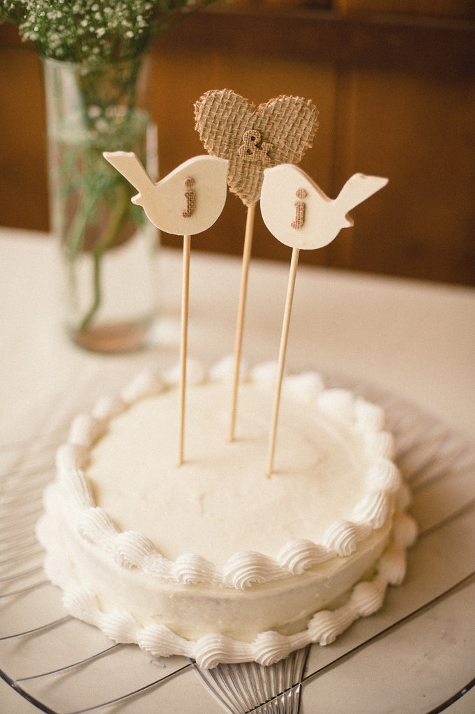 Sweet and simple DIY cake toppers.