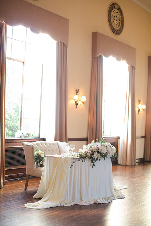 Sweetheart Table | Ebell Los Angeles Styled Shoot | Kennedy Blue featured on Strictly Weddings