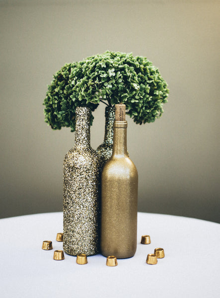 This couple chose gold and silver for a classy fall wedding | Kennedy Blue