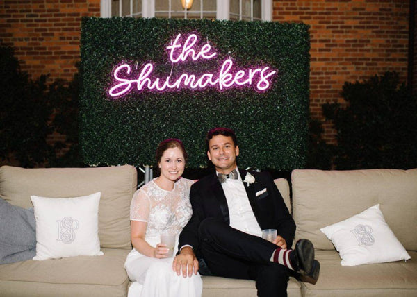 name wedding sign | How to Pull Off Neon Wedding Signs