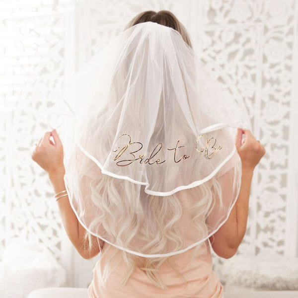 bachelorette party veil | Bride Stuff You Need