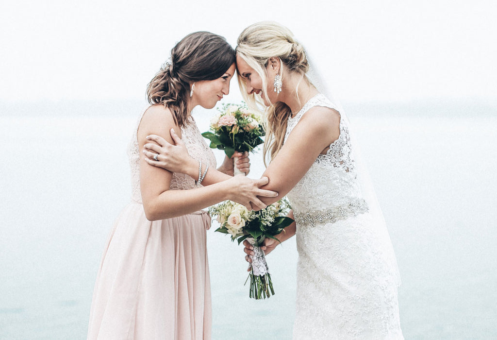10 Ideas to Make Your Maid of Honor Stand Out