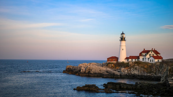lighthouse in Maine | The Best Destination Wedding Locations