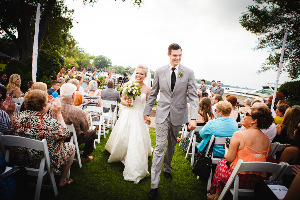 See the stunning lakeside wedding here! | A Simple Wedding Dress for a Lakeside Ceremony