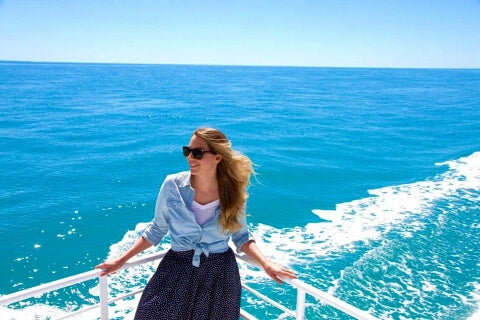 women traveling on a budget - OurCoordinates