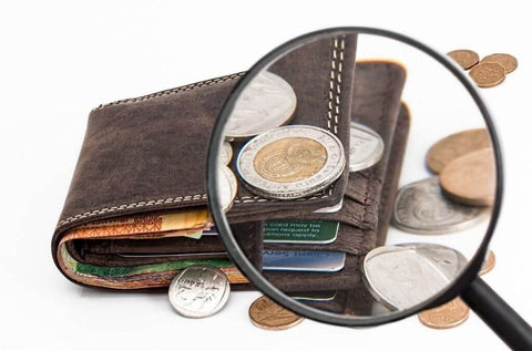 carry extra cash on hand when traveling - OurCoordinates blog