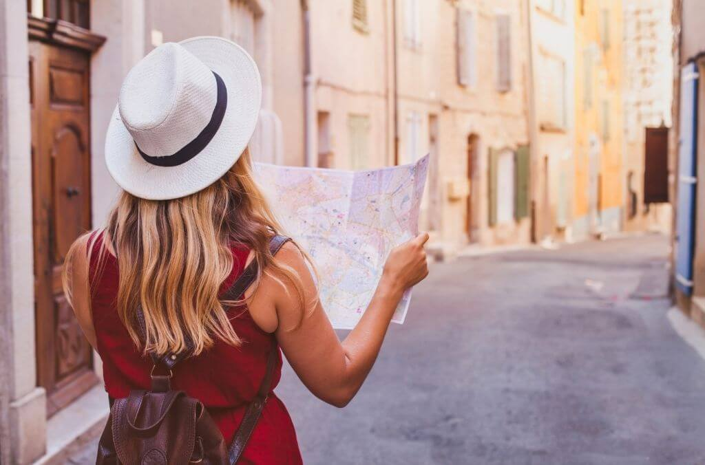 everything you need to know to start a travel blog - OurCoordinates