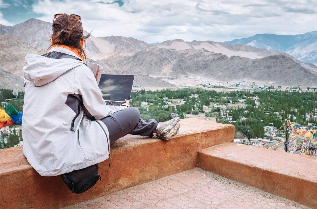 Everything you need to start your travel blog - OurCoordinates
