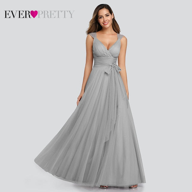Long Elegant V-neck Sleeveless Prom Dress