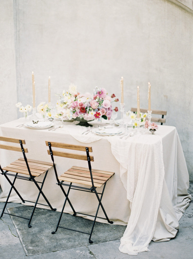 STYLE ME PRETTY / Incorporating Texture to Your Minimalistic Wedding