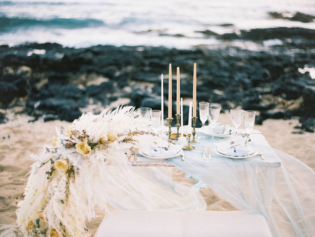 MAGNOLIA ROUGE / Windswept Costal Wedding Inspiration In Oahu
