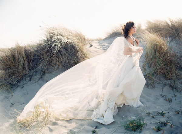 ELIZABETH ANNE DESIGNS / Romantic Old-World Bridal Inspiration