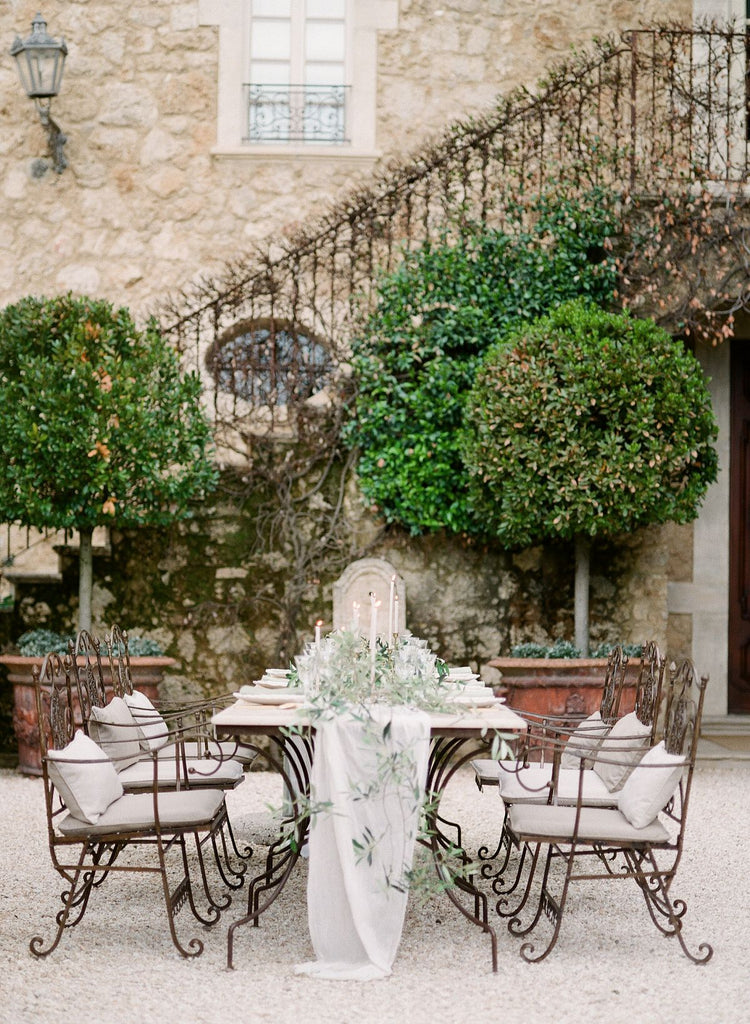 WEDDING SPARROW / SOFT GREEN TONES FOR AN AL FRESCO WEDDING IN TUSCANY