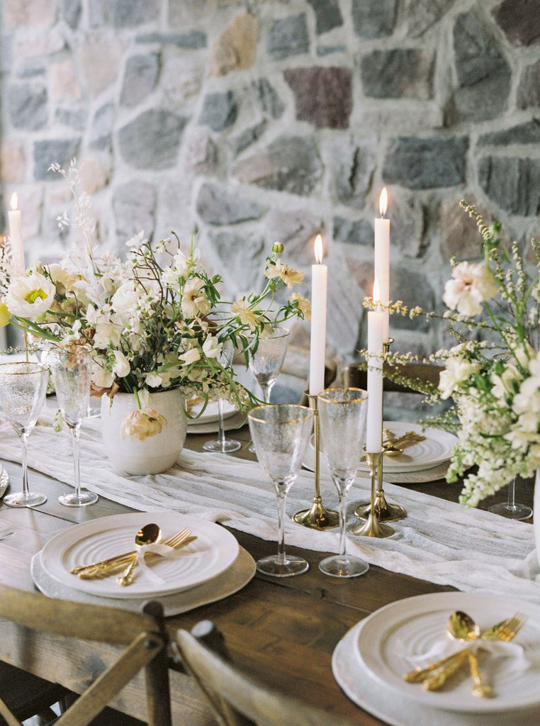 WEDDING SPARROW / Ivory and Gold Montana Wedding Ideas