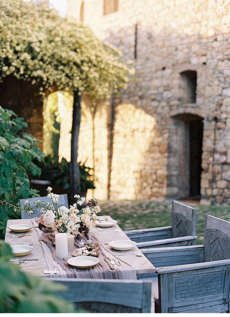 AMBER & MUSE / Atmospheric Tuscany Elopement