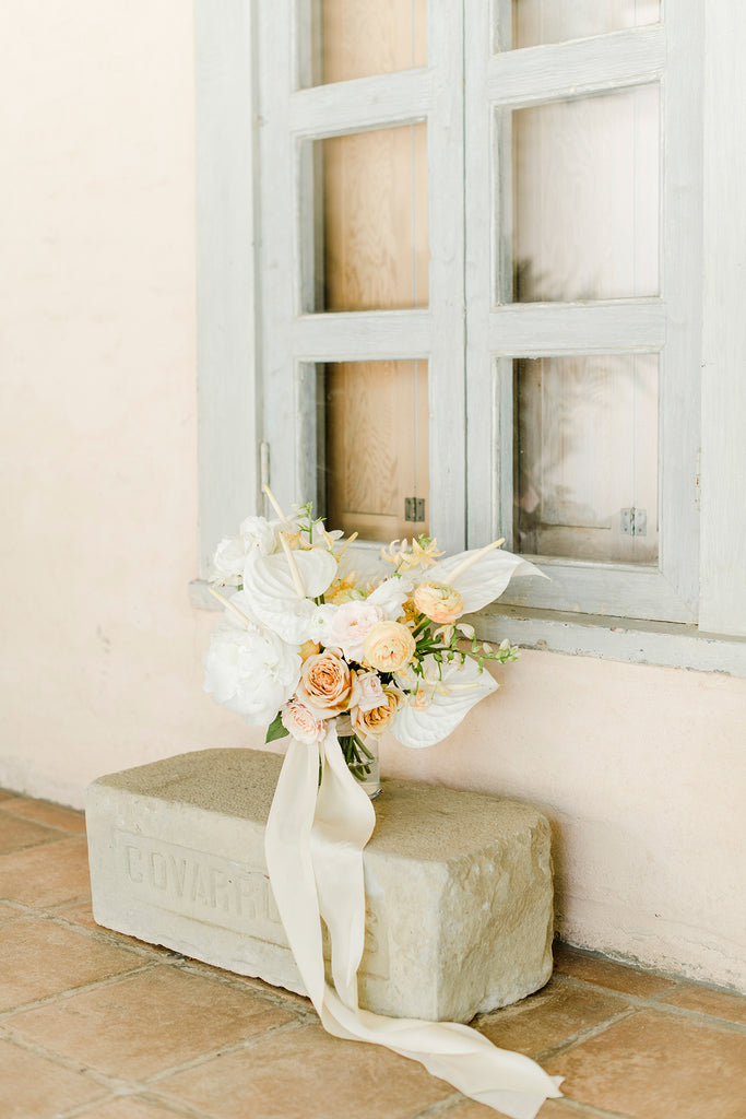 MARTHA STEWART WEDDINGS / Cool-Girl Brides Will Love This California Wedding's Laid-Back Vibe