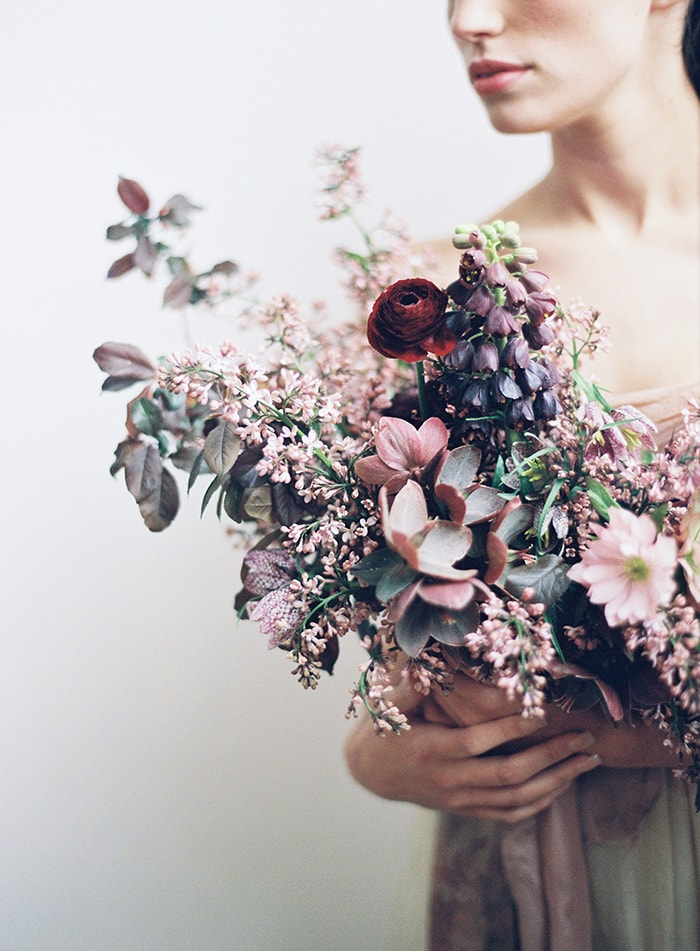 Elegant springtime wedding flower ideas once wed silk willow so many stunning details in the botanical inspired florals by sarah winward and the beautifully minimal styling by gatherist head to once wed for more junglespirit Choice Image