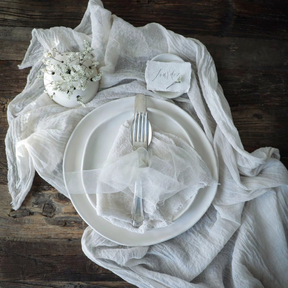 antique white, wedding head table, Silk & Willow plant dyed table linens. Table runner, organic cotton napkins. natural cotton napkins. Table setting.